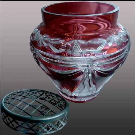 Val Saint Lambert          vase en cristal de couleur bleu et or 22 carats-danse de flore