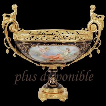 Centrotavola in porcellana del XIX secolo