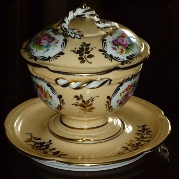 caldo taza caldo cubierto porcelana Paris