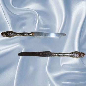 Couvert-couteaux en argent massif anciens