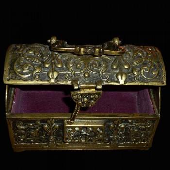 Messingbeschlage dekoriert gotischen Stil der Arabeske box