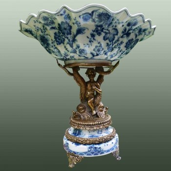 Centre de table en porcelaine et bronze Wong Lee. wl 1895