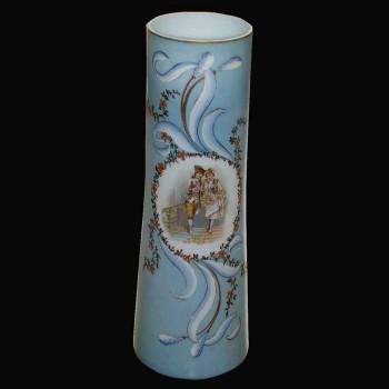 Vase en opaline émaillé 19 eme siecle