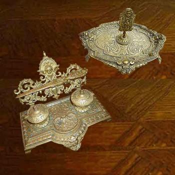 Bronzo dorato grifoni e chimere doppio Inkwell e indossano lettere del XIX secolo