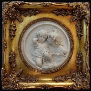 medaillon van marmer in hoog relief
