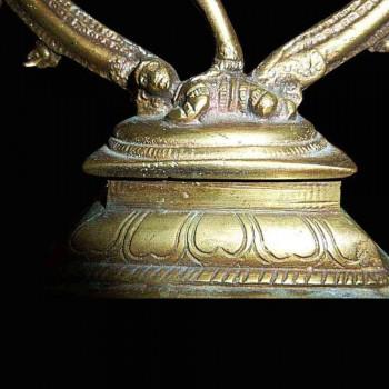 Estatuilla de bronce dorado de Shiva Nataraja