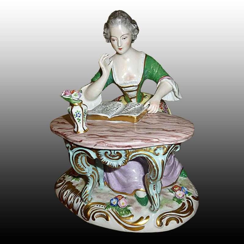 Porseleinen beeldje Franse porselein van Paris 19e eeuw - La Liseuse