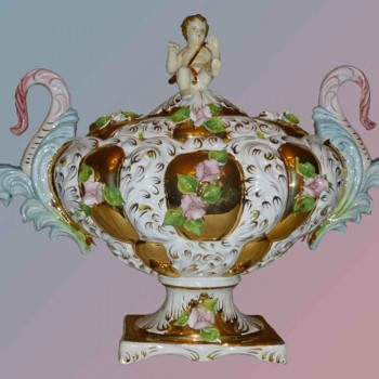 Fine Italian porcelain beautiful object earthenware handmade Golden end 18th century-room single