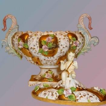 Porcelaine Fine Italienne   magnifique objet en faience fait main dore a l'or fin XIXe siecle-piece unique