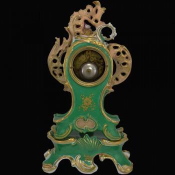 Pendel im XIX Jahrhundert franzosisches Porzellan