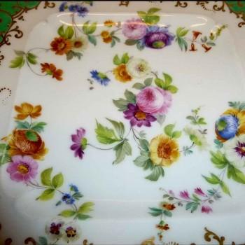 Paris porcelain dish signed      XIXeme century