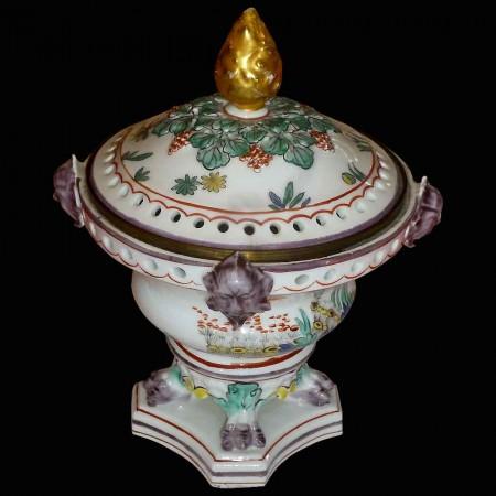 Porcellana Chantilly del XVIII secolo
