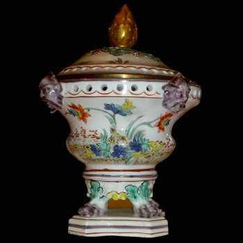 18th century Chantilly porcelain