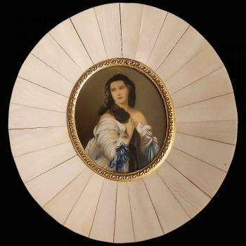 Miniatura sobre marfil Madame Rimsky Korsakoven del siglo XIX.