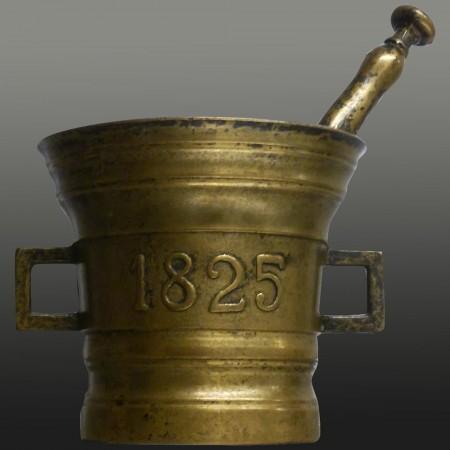 Mortaio e pestello da farmacia in bronzo del XIX secolo