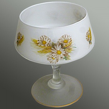 Crystal opaline fruit bowl