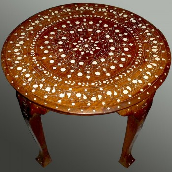 Circular oriental coffee table XIXth century