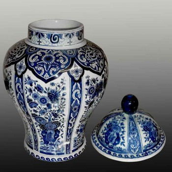 Par de jarrones grandes cubiertos de Boch-Delft