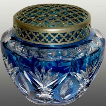 Pique fleurs en cristal bleu pétrole du Val Saint Lambert