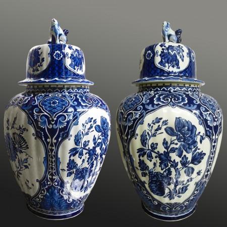 Par de jarrones de barro de Delft Boch 45 cm