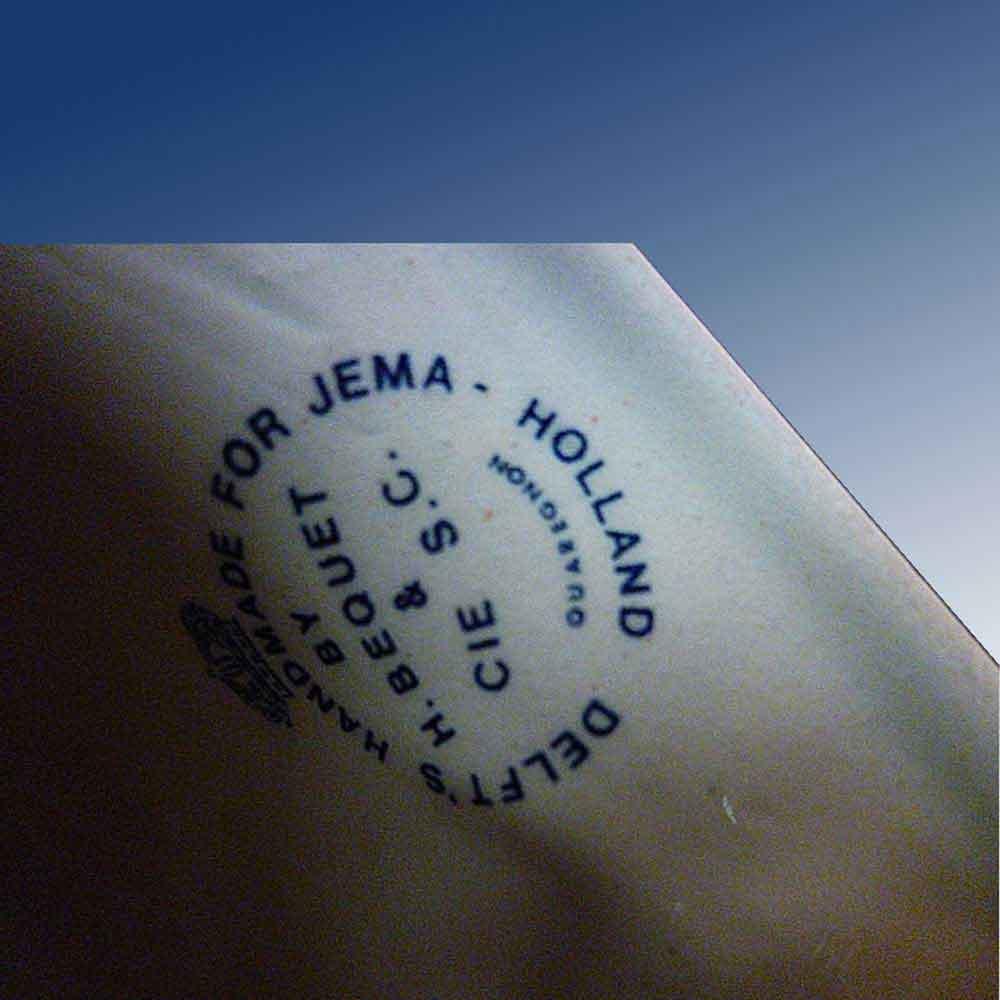 Delft-Bequet-joli bougeoir en faience XX siecle Jema-cachet sous couronne