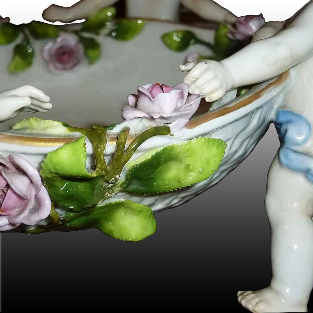 Coupe en porcelaine Allemande manufacture de Plaue XIX