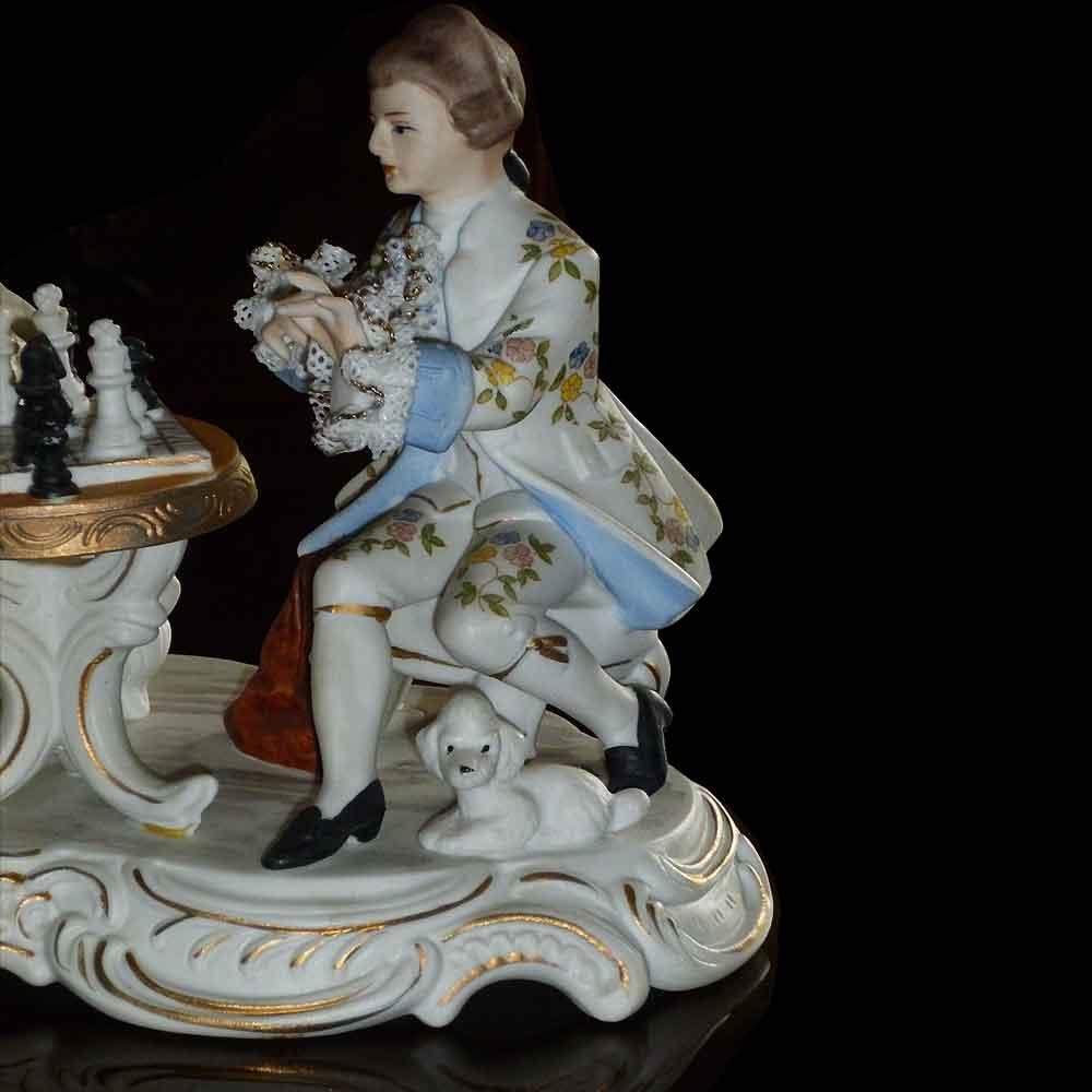 groupe en porcelaine fine Italienne Capo Di Monte intitulé ( la partie d'échec ) anno 1925