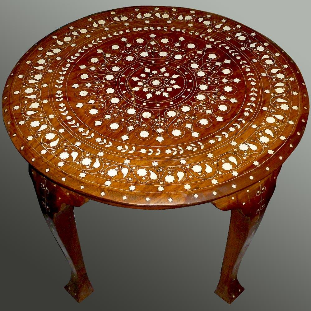 Circular oriental coffee table XIXth century