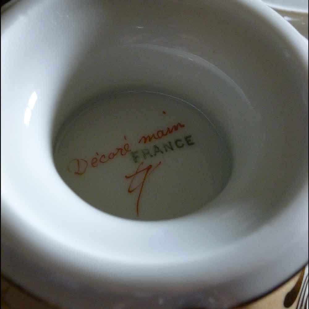 tasse trembleuse bouillon couvert en porcelaine de Paris